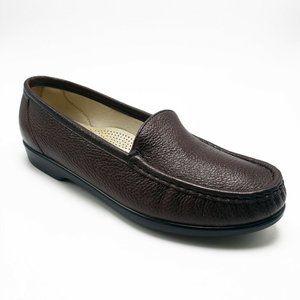 SAS Burgundy Simplify Slip-On Size 8.5 Loafer